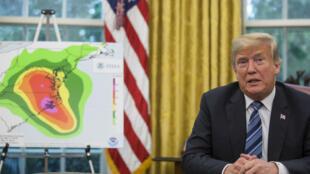 Donald Trump s'adresse aux médias le 11 septembre 2018 à la Maison Blanche au sujet du cyclone Florence qui a frappé la côte est des États-Unis.