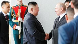 زعيم كوريا الشمالية كيم جونغ أون والرئيس الروسي فلاديمير بوتين 25 أبريل/نيسان 2019.