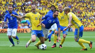 L'Italie s'impose face à la Suède en toute fin de match et se qualifie pour les huitièmes.