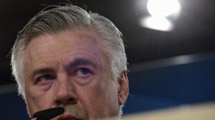 L'entraîneur italien Carlo Ancelotti participe à une conférence de presse, le 17 avril 2017 à Madrid