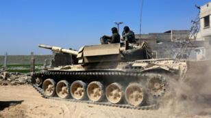 Plusieurs centaines de combattants supplémentaires ont été déployés par le régime syrien dans la Ghouta orientale, mardi 6 mars.