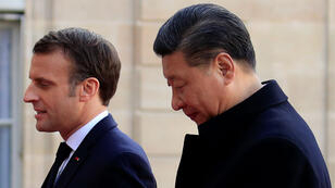 """Les nouvelles """"routes de la soie"""" chinoises devraient être au menu des discussions entre le président Emmanuel Macron et son homologue Xi Jinping"""