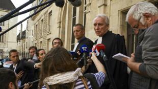 Christophe Ballorin et Jean-Paul Teissonnière, les deux avocats de Murielle Bolle, le 28 juillet 2017, à Dijon.