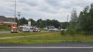 Vehículos de emergencia se trasladaron al área de Brookside Drive en Fredericton para atender a los heridos de un tiroteo el 10 de agosto de 2018.
