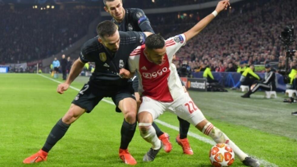 Ajax rencontres Combien fait Interracial datant du coût central