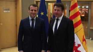 Emmanuel Macron et Christian Estrosi, samedi 1er avril 2017, à Marseille.