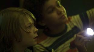 """Oakes Fegley (Ben) et Jadne Michael (Jamie) dans """"Wonderstruck""""."""