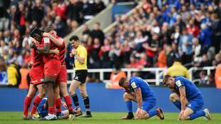 Réaction des joueurs après la victoire des Anglais des Saracens sur les Irlandais du Leinster en finale de Coupe d'Europe de rugby, le 11 mai 2019.