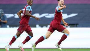 West Ham midfielder Declan Rice (R) celebrates his goal against Watford