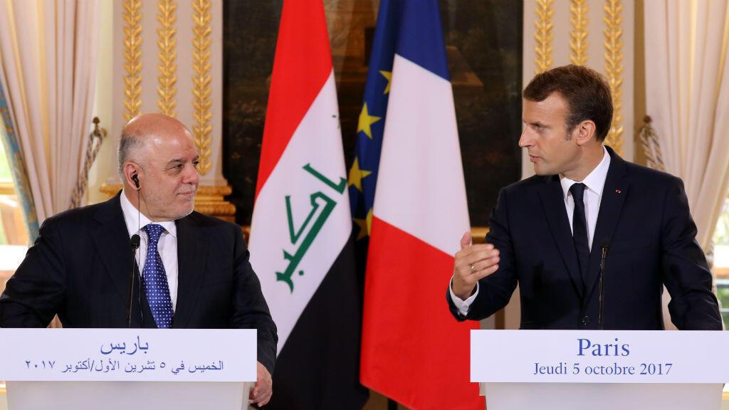 Le président français Emmanuel Macron et le Premier ministre irakien Haïdar al-Abadi, jeudi 5 octobre 2017, à l'Élysée.