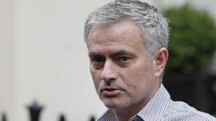 José Mourinho a remporté deux fois la Ligue des champions : en 2004 avec le FC Porto et en 2010 avec l'Inter Milan.