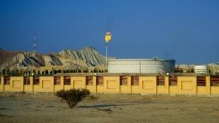 Sitio petrolero iraní en la isla de Qeshm, estrecho de Ormuz.