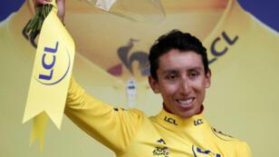 El ciclista colombiano Egan Bernal, de 22 años, con el maillot amarillo de líder tras la etapa 19, en Tignes, Francia, el 26 de julio de 2019.