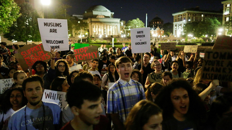 Manifestation contre les suprémacistes blancs devant l'université de Columbia à New York, le 10 octobre 2017.