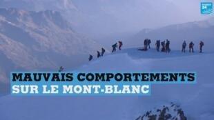 Des alpinistes faisant l'ascension du Mont-Blanc.
