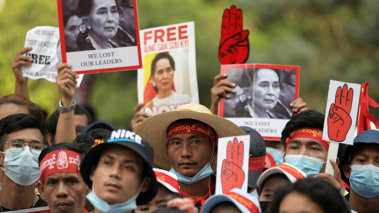 Western international locations improve strain on Myanmar junta as protests proceed