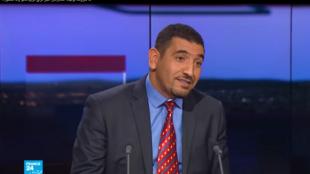 الناشط والمعارض الجزائري كريم طابو.