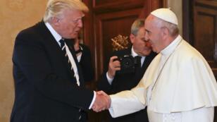 La rencontre entre Donald Trump et le pape Vatican a débuté, mercredi 24 mai, au Vatican.