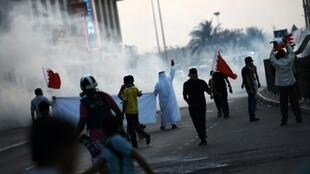 صدامات بين الشرطة ومحتجين بحرينيين خلال تظاهرة في 28 آب/أغسطس 2015