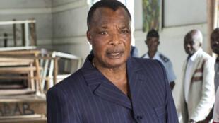 Le chef de l'État sortant Denis Sassou Nguesso lors du vote le 20 mars 2016 à Brazzaville.