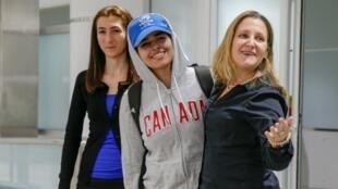 La Saoudienne Rahaf Mohammed al-Qunun à son arrivée à Toronto, le 12 janvier 2019.