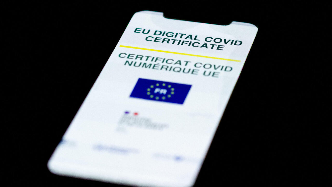 French parliament approves law requiring restaurant Covid pass, vaccine rules