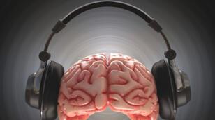 La musique connectée au cerveau fait son chemin en médecine.