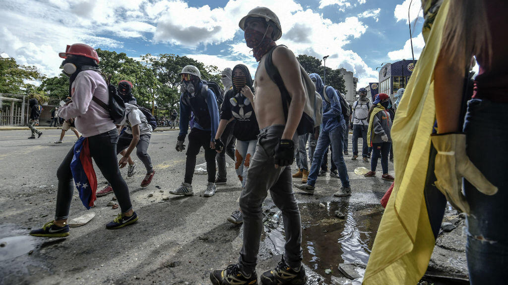 متظاهرون من المعارضة في كراكاس في 28 تموز/يوليو 2017