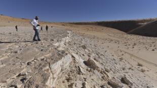 Esta foto muestra una vista del borde del yacimiento encontrado en el norte de Arabia Saudita