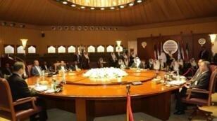 صورة نشرتها وزارة الاعلام الكويتية لجولة مفاوضات حول اليمن في 21 نيسان/ابريل 2016