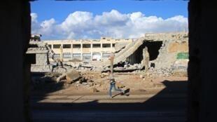 Scène de dévastation à Deraa, le 1e janvier 12017, une ville du sud de la Syrie tenue par la rébellion.