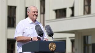 Le président biélorusse, Alexandre Loukachenkon, s'est adressé à ses partisans lors d'une manifestation pro-pouvoir, à Minsk, le 16 août 2020.