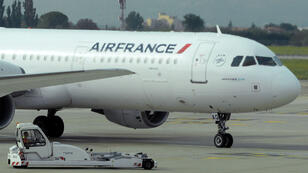 Certains stewards homosexuels d'Air France refusent de voler vers Téhéran.