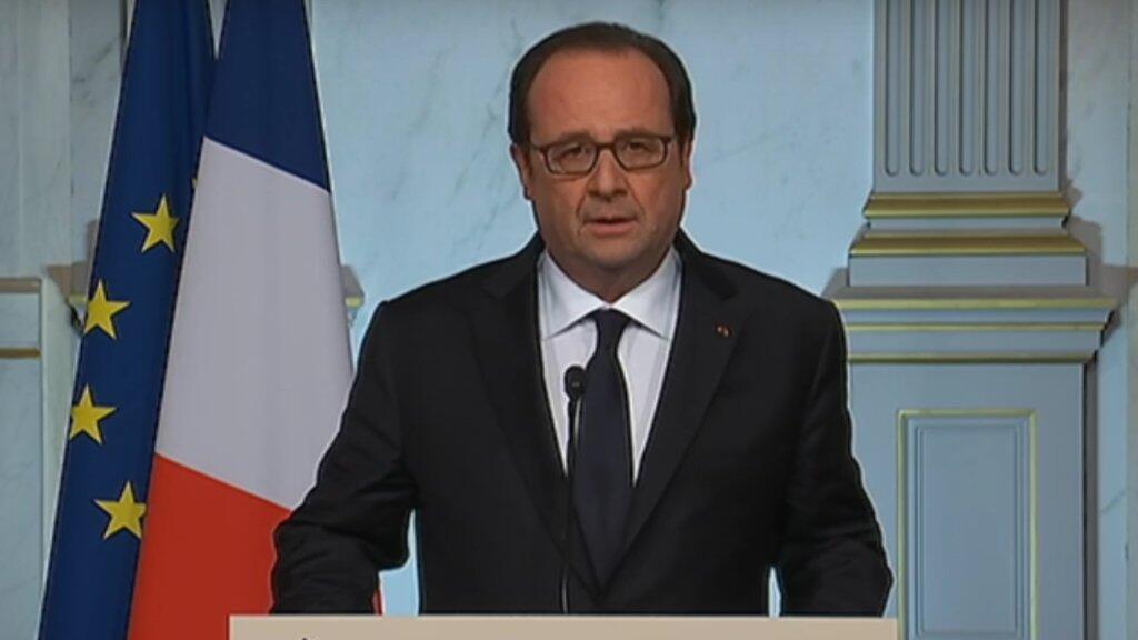 François Hollande lors de son intervention télévisée à la suite de l'attaque de Nice, vendredi 15 juillet 2016.