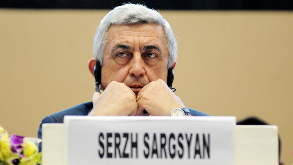 El primer ministro y expresidente de Armenia, Serge Sargsián, anunció en un comunicado su dimisión en medio de las multitudinarias protestas de la oposición que exige su renuncia. Noviembre 3 2017.