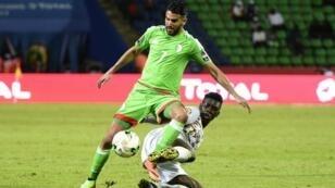 رياض محرز الغائب عن المباراة أمام زامبيا، في يناير 2017 أمام السنغال.