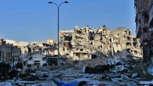 La France craint une catastrophe humanitaire à Alep, deuxième ville de Syrie, théâtre d'une opération de reconquête de la part du régime de Damas.