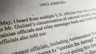 Vista de la denuncia de un miembro de Inteligencia de Estados Unidos, revelada por la Cámara de Representantes, el 26 de septiembre de 2019.