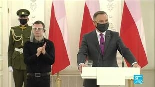 2020-11-19 17:10 EU leaders to discuss Polish, Hungarian veto of recovery plan, no solution seen yet