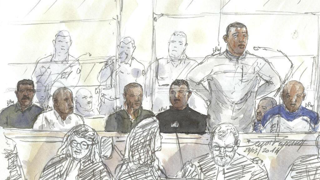 Esquisse des pirates somaliens pendant leur procés.