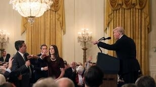 Le journaliste de CNN Jim Acosta lors de son altercation avec Donald Trump à la Maison Blanche, mercredi 7 novembre 2018.