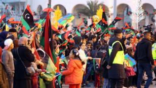 Les Libyens de Tripoli se sont rassemblés dès vendredi 16 février 2018 sur la place des Martyrs pour fêter les sept ans de la révolution.