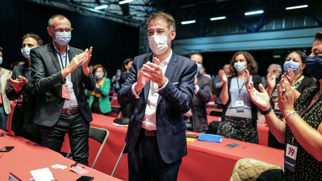 Le Parti socialiste confirme Olivier Faure à sa tête et se tourne vers 2022