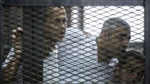 Les journalistes d'Al-Jazira emprisonnés en Égypte, en juin 2014.
