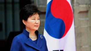 La présidente sud-coréenne Park Geun-hye est mise en cause dans un scandale politique.