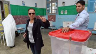Le second tour de la présidentielle tunisienne opposera le 21 décembre Béji Caïd Essebsi à Moncef Marzouki.