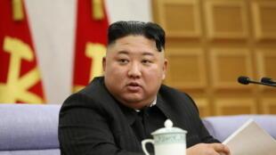 Le dirigeant nord-coréen Kim Jong-un, lors d'une réunion plénière du comité central du Parti du travail, à Pyongyang, en Corée du Nord.