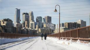 Des piétons à Minneapolis, dans le Minnesota, le 29 janvier 2019.