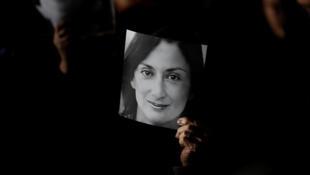الصحفية الاستقصائية المالطية دافني كاروانا المغتالة في أكتوبر 2017