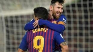 ليونيل ميسي ولويس سواريز أمام إشبيلية على ملعب كامب نو في 30 كانون الثاني/ يناير 2019